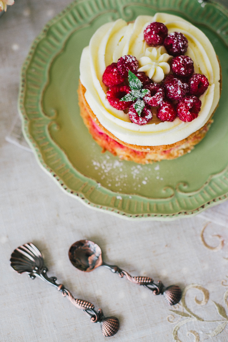 торт с малиной